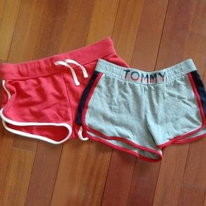 Set of woman short Tommy Hilfiger and bonis pair s